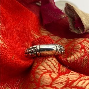 Jewelry - Sterling Ring Braided Sides High Polish Top Detail